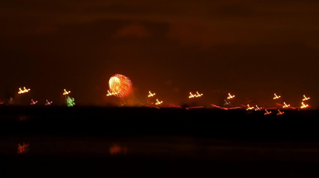 Mobile_fireworks2013b