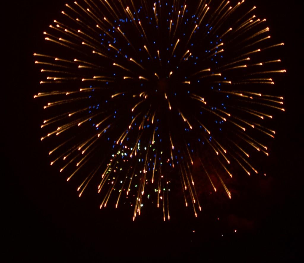 Mobile_fireworks2013c