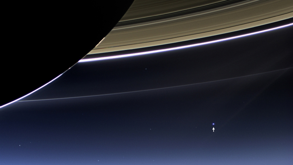 Saturn_Earth2013a